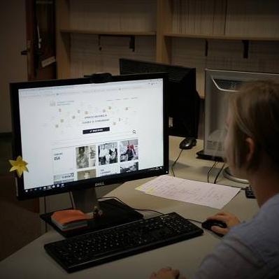zdjęcie przedstawiające komputer z uruchomionym programem OSA