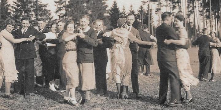 fotografia z archiwum biblioteki w Sępólnie Krajeńskim