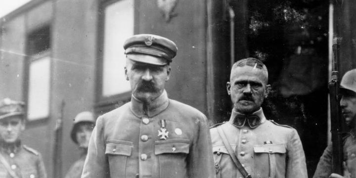 Białoruś, 20 kwietnia 1920. Józef Piłsudski z gen. Władysławem Jungiem, dowódcą 15 Dywizji Piechoty. Fot. Narodowe Archiwum Cyfrowe